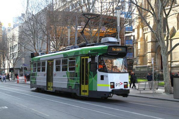 Z3.116 heads south on route 5 at Swanston Street and Flinders Lane