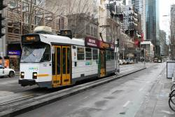 Z3.152 heads south on route 5 at Swanston and La Trobe Street