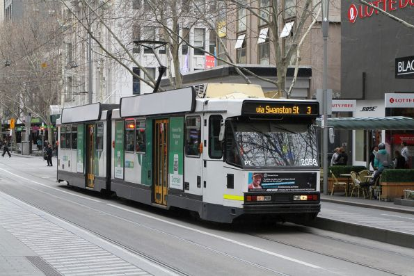 B2.2058 heads north on route 3 at Swanston and Bourke Street