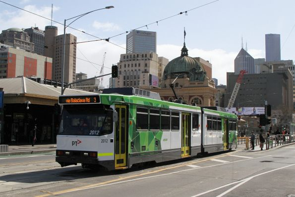 B2.2012 heads south on route 3 at Federation Square