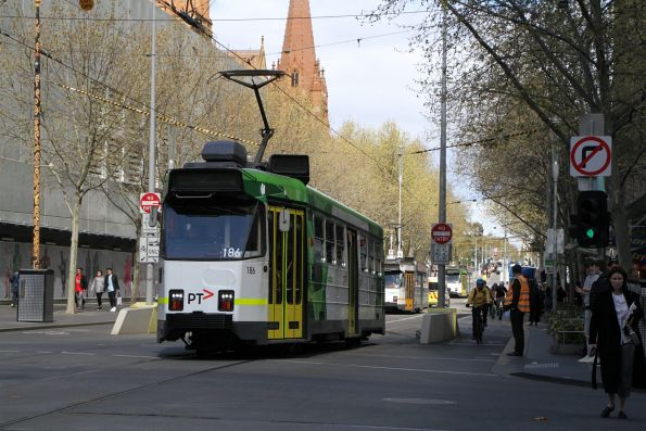 Z3.186 heads north on route 67 at Swanston and Collins Street