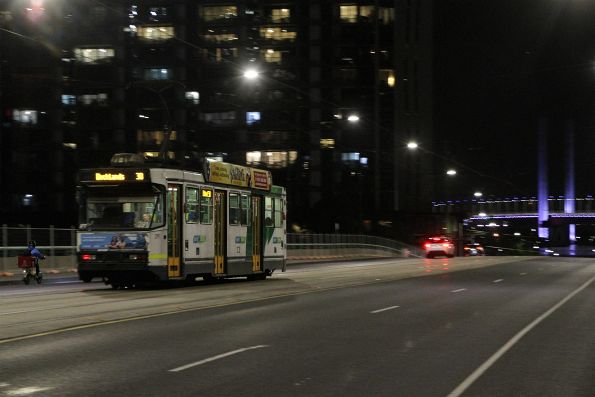 A2.291 heads west on route 30 over the La Trobe Street Bridge