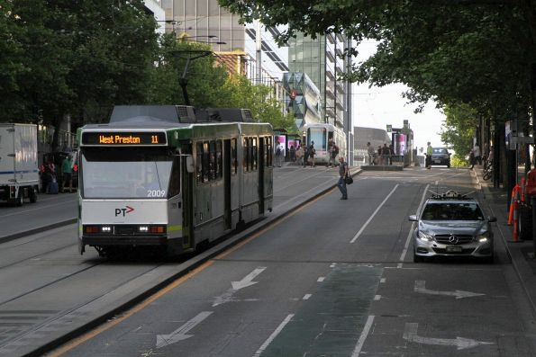 B2.2009 heads east on route 11 at Collins and Spencer Street