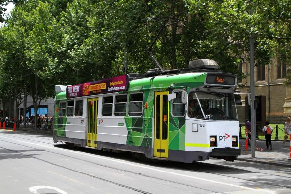 Z3.133 heads south on route 16 at Swanston and Flinders Street