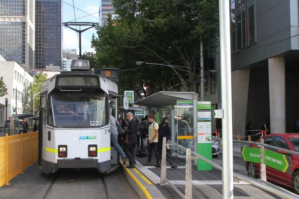 Z3.127 heads north on route 58 at William and La Trobe Street