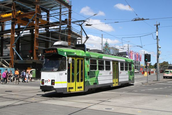 Z3.157 heads north on route 5 at Swanston and Flinders Street
