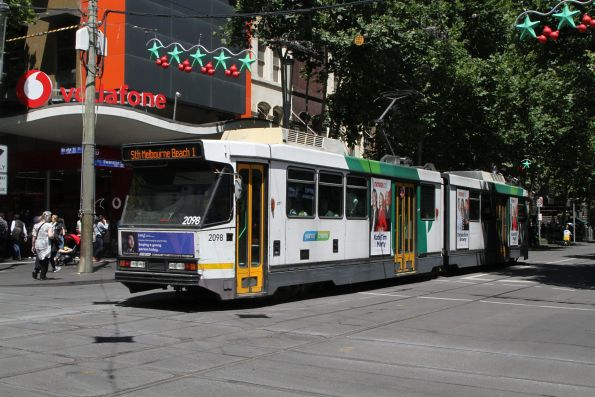 B2.2098 heads south on route 1 at Swanston and Bourke Street