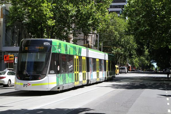 E.6024 heads west on route 86 at Bourke and Elizabeth Street