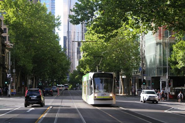 D1.3515 heads north on route 58 at William and Lonsdale Street