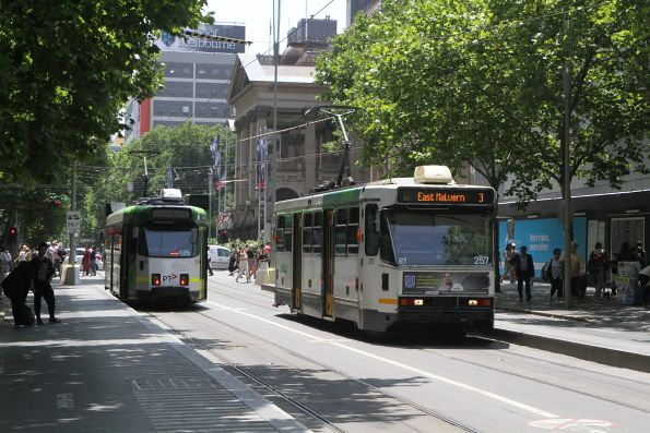 A1.257 heads south on route 3 at Swanston and Collins Street