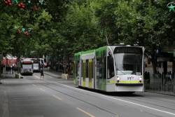 D1.3518 heads north on route 6 at Swanston and Lonsdale Street
