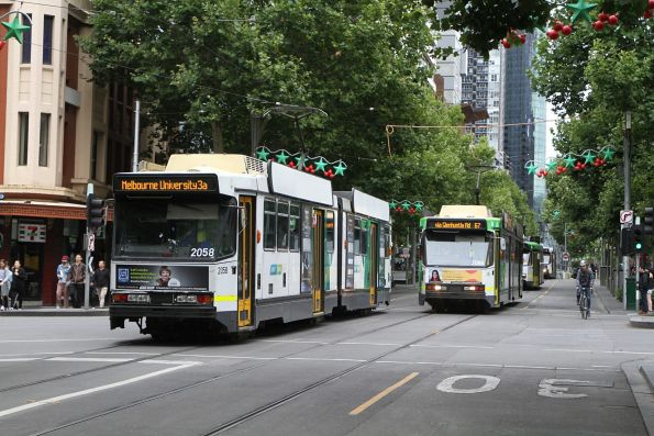 B2.2058 on route 3a passes B2.2086 on route 67 at Swanston and Lonsdale Street