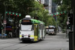 Z3.125 heads south on route 72 at Swanston and Lonsdale Street