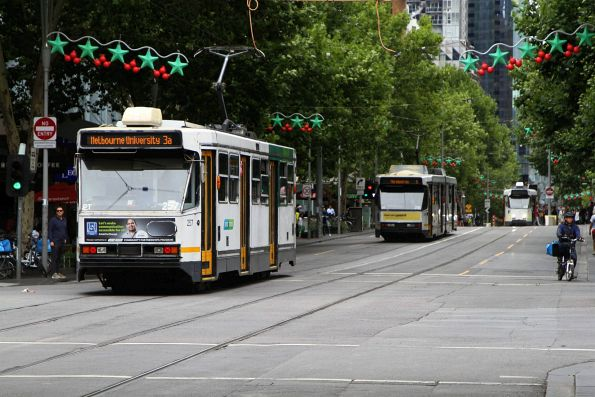 A1.257 heads north on route 3a at Swanston and Lonsdale Street