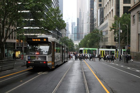 B2.2045 heads south on route 58 at William and Collins Street