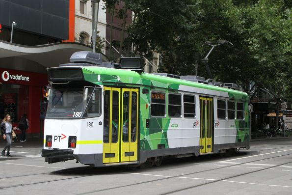 Z3.180 heads south on route 16 at Swanston and Bourke Street