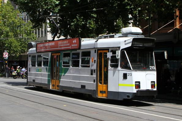 Z3.213 heads north on route 6 at Swanston and Collins Street