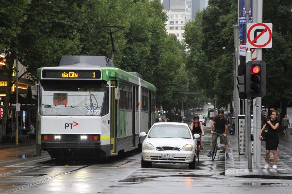B2.2123 heads south on route 1 at Swanston and Collins Street