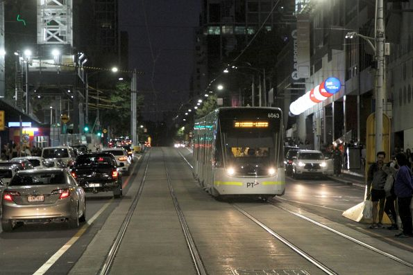 E2.6063 heads west on route 30 at La Trobe and Elizabeth Street