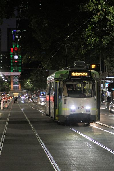 Z3.117 heads north on route 57 at Elizabeth and Little Bourke Street