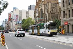 A2.295 heads east on route 70 at Flinders and Swanston Street