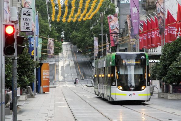 E.6021 heads west on route 96 at Bourke and Swanston Street