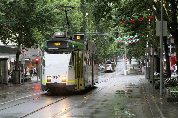 Z3.133 heads south on route 16 at Swanston and Bourke Street