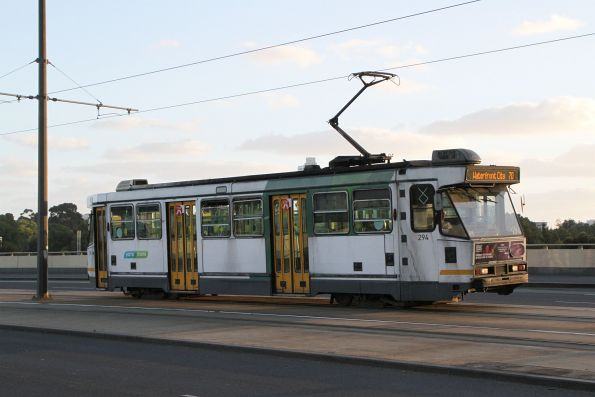 A2.294 heads north on route 70 at Exhibition and Flinders Street