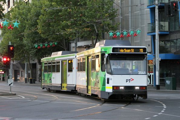 B2.2048 on route 70 turns from Flinders Street into Exhibition Street