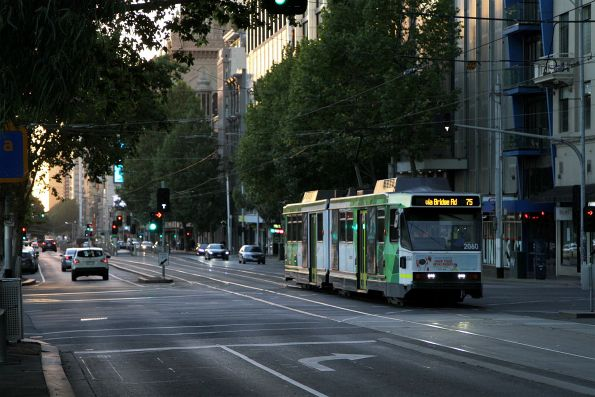 B2.2060 heads east on route 75 at Flinders and Exhibition Street