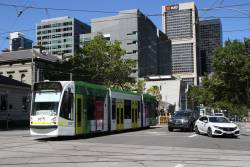 D1.3507 heads north on route 58 at William and La Trobe Street