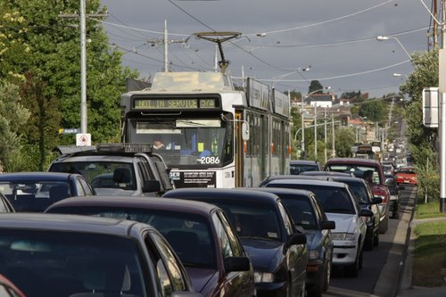 B2.2086 running a route 57a service, stuck in traffic on Maribyrnong Road