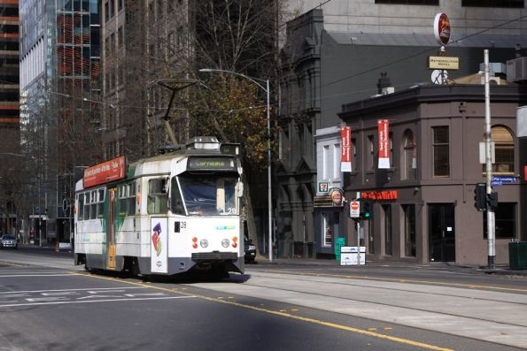 Z1.28 with a route 67a service at William and Little Lonsdale Streets