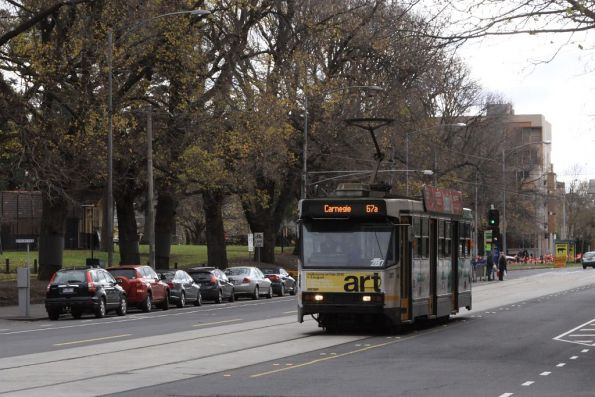A2.287 southbound at William and A'Beckett Streets with a route 67a service