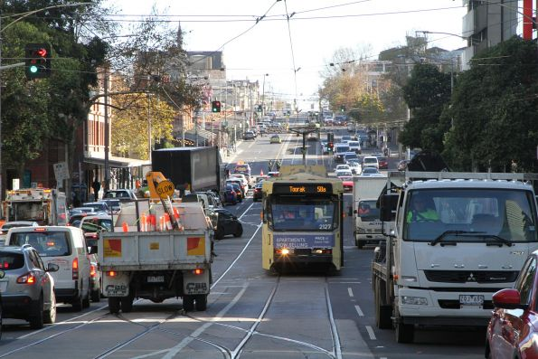 B2.2127 heads east along Victoria Street on a diverted route 58 service