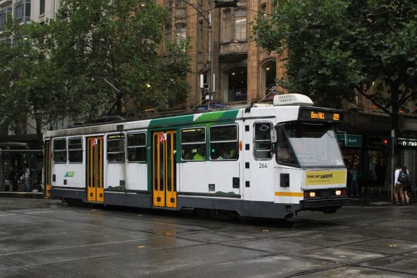 A2.264 heads east on route 109 at Collins and Swanston Street