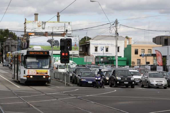 Waiting on the traffic lights at Punt Road, A2.266 heads citybound on route 70