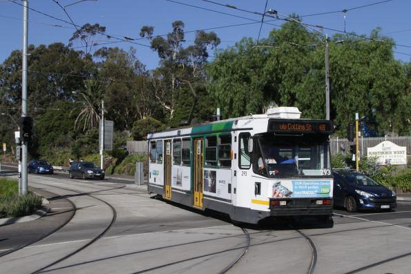 A2.293 arrives at Hawthorn Bridge with a citybound route 48 service