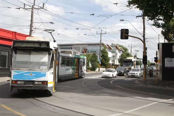 B2.2085 turns from Burwood Road into Power Street on route 75