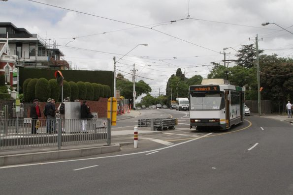 B2.2013 westbound on route 75 arrives at Riversdale Junction