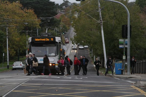 Passengers depart A2.271 westbound on route 70 at Riversdale station