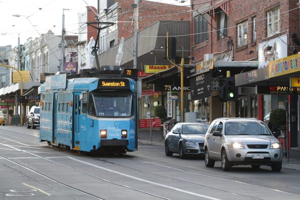 Z3.179 heads south on route 72 at Camberwell station