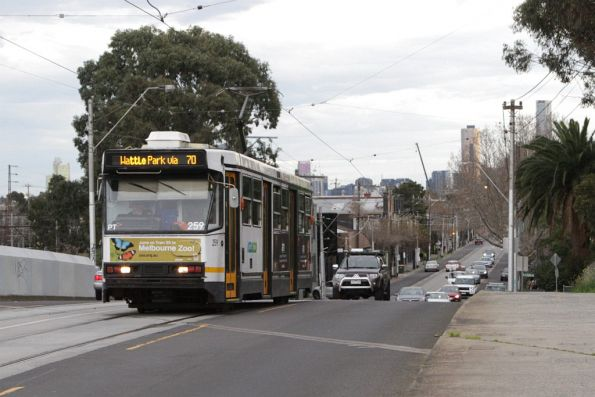 A1.259 heads east on route 70 on Swan Street at the railway bridge