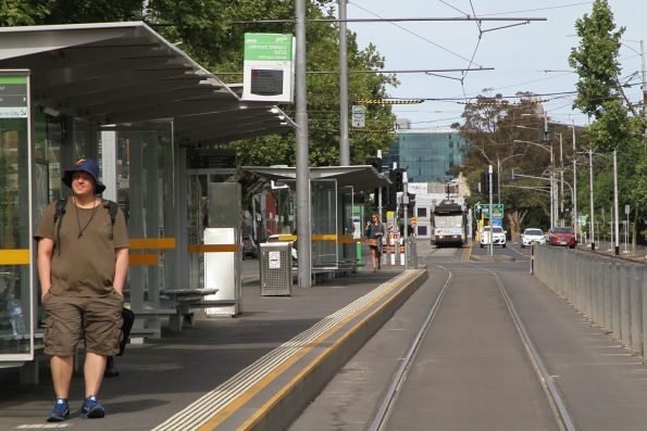 A2.296 heads west on route 48 along Wellington Parade at Jolimont station