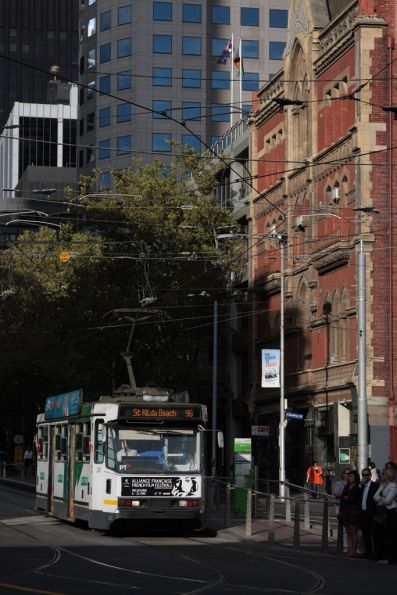 A2.261 on a route 96 service outside Donkey Wheel House on Bourke Street