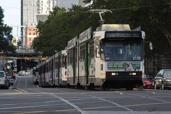 B2.2132 leads a queue of northbound Grand Prix trams on Spencer Street