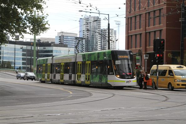 E.6010 at La Trobe and Spencer Street with an empty Grand Prix special