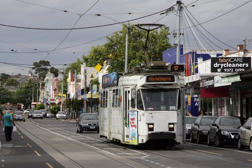 Z3.198 running a citybound route 57 service on Union Road, Ascot Vale