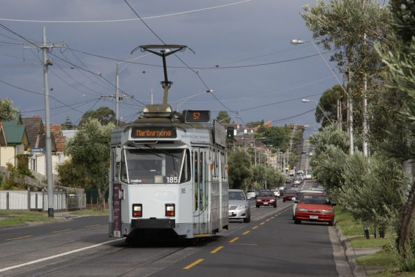 Z3.185 on a westbound route 57 service on Maribyrnong Road