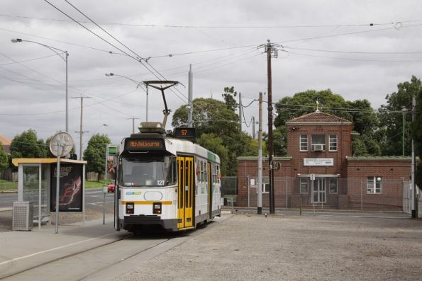 Z3.121 at the West Maribyrnong terminus, the defence establishment in the background